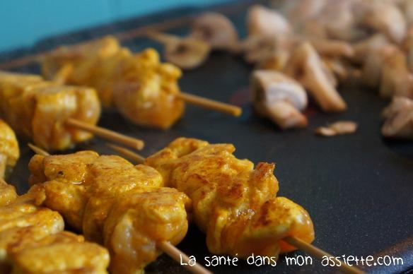 cuisson plancha 02 Plancha dautomne : Brochettes de poulet mariné et champignons
