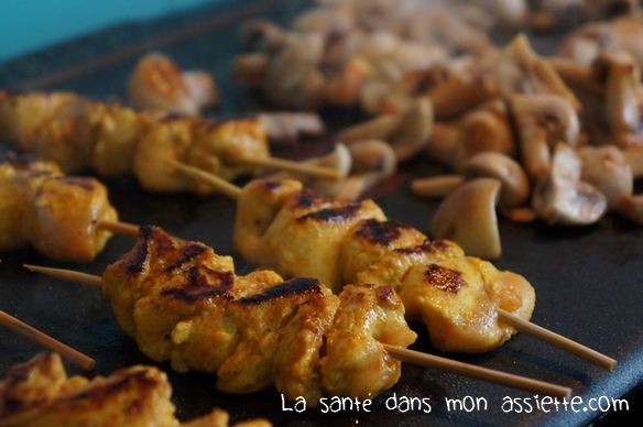 cuisson plancha 03 Plancha dautomne : Brochettes de poulet mariné et champignons